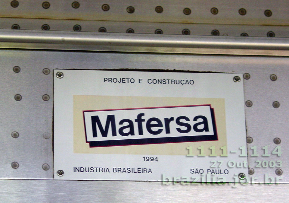 Detalhe da placa Mafersa do trem 1111-1114, com a data de 1994